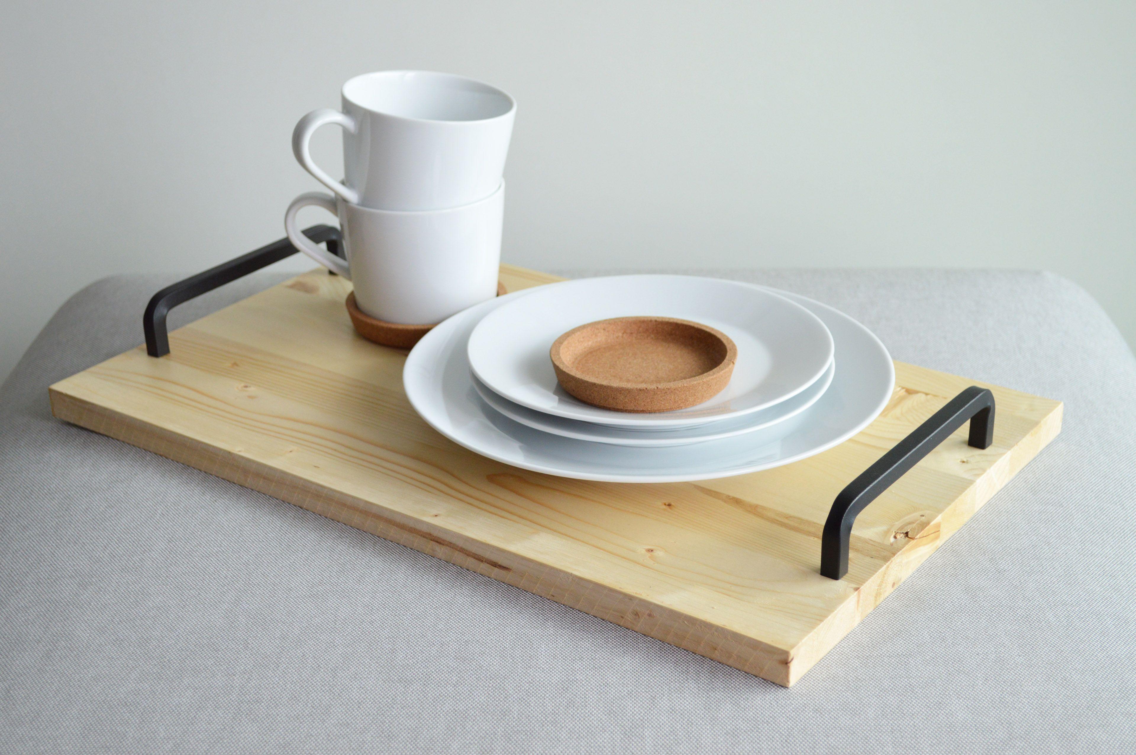 ruckzuck selbstgemacht diy serviertablett aus holz alpina lacke holz serviertablett und. Black Bedroom Furniture Sets. Home Design Ideas