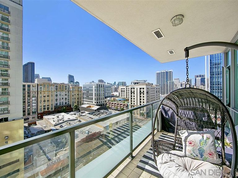 325 7th Ave San Diego Ca 92101 Apartments For Rent Zillow San Diego Apartments Downtown San Diego San Diego Condos