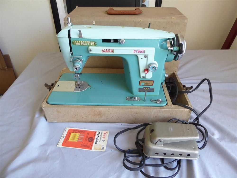 Vintage 40's WHITE SEWING MACHINE Turquoise Model 40 W Case Simple 1950 Brother Sewing Machine