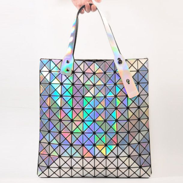 9b0681de11f1 the holographic bag of Issey Miyake