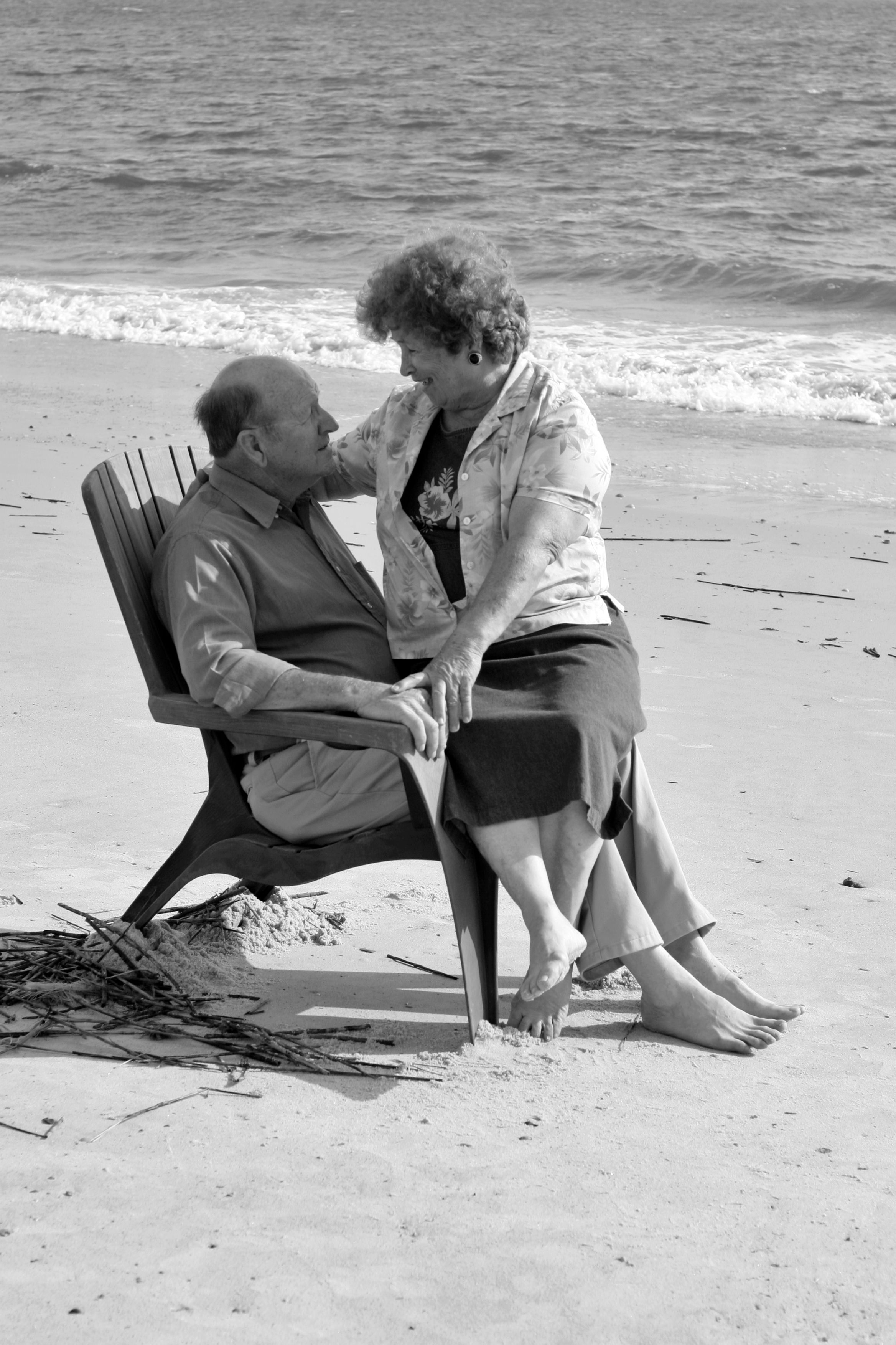 Still In Love Cute Old Couples Old Couples Growing Old