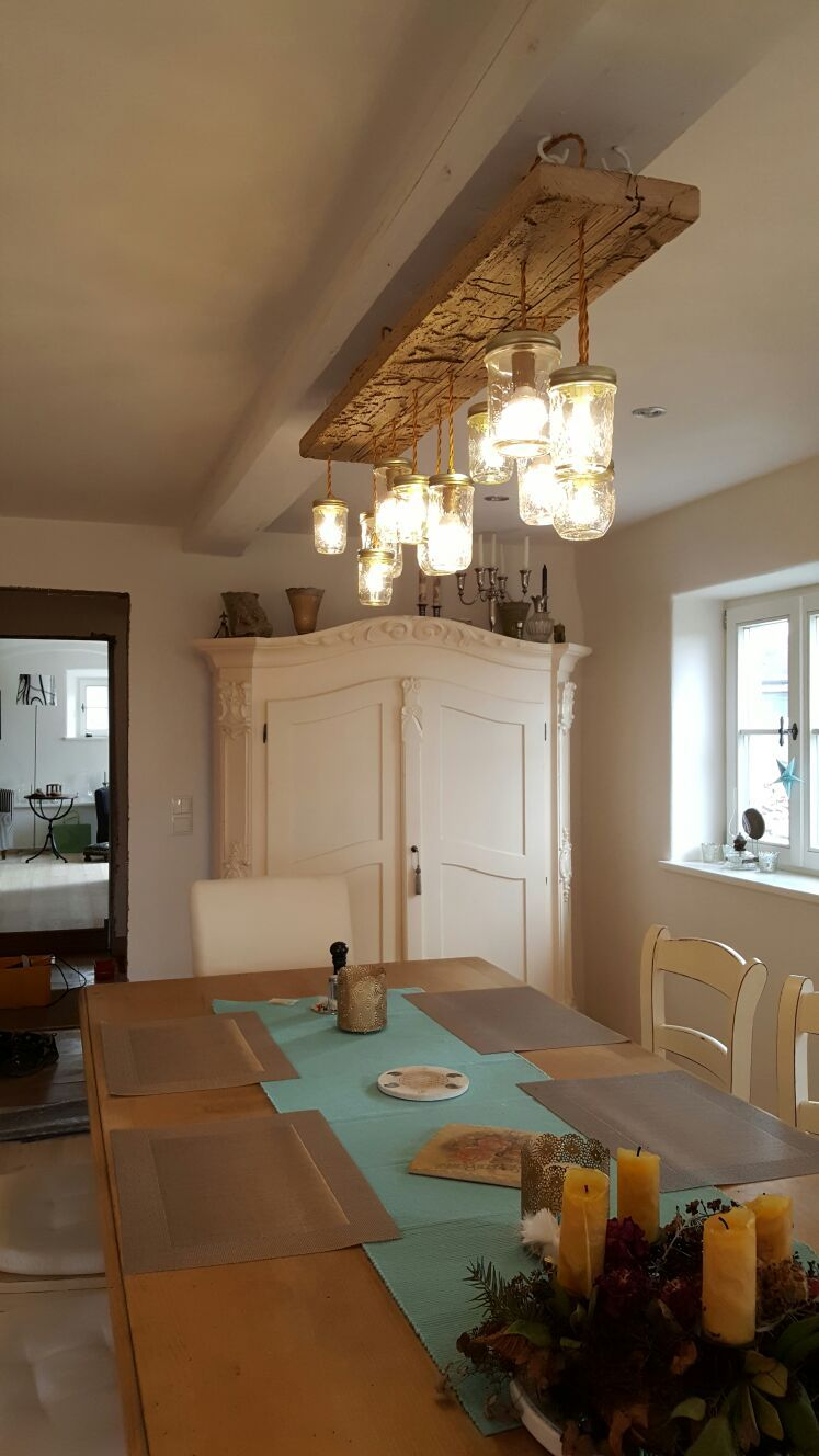 Leuchtensonderbau im Landhaus-Stil für eine rustikale
