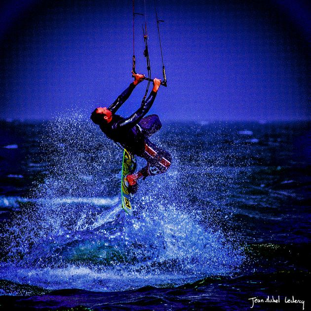 jump kitesurf
