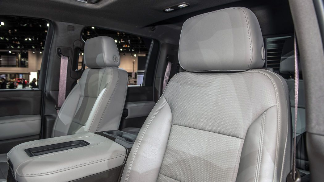 2020 Chevrolet Silverado HD Chicago 2019 Photo Gallery