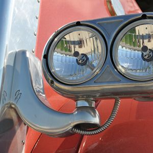 These headlight brackets. This is actually a picture I took of our family's 379 of the exact headlight setup I would want. Sometimes my Dad has good taste :)