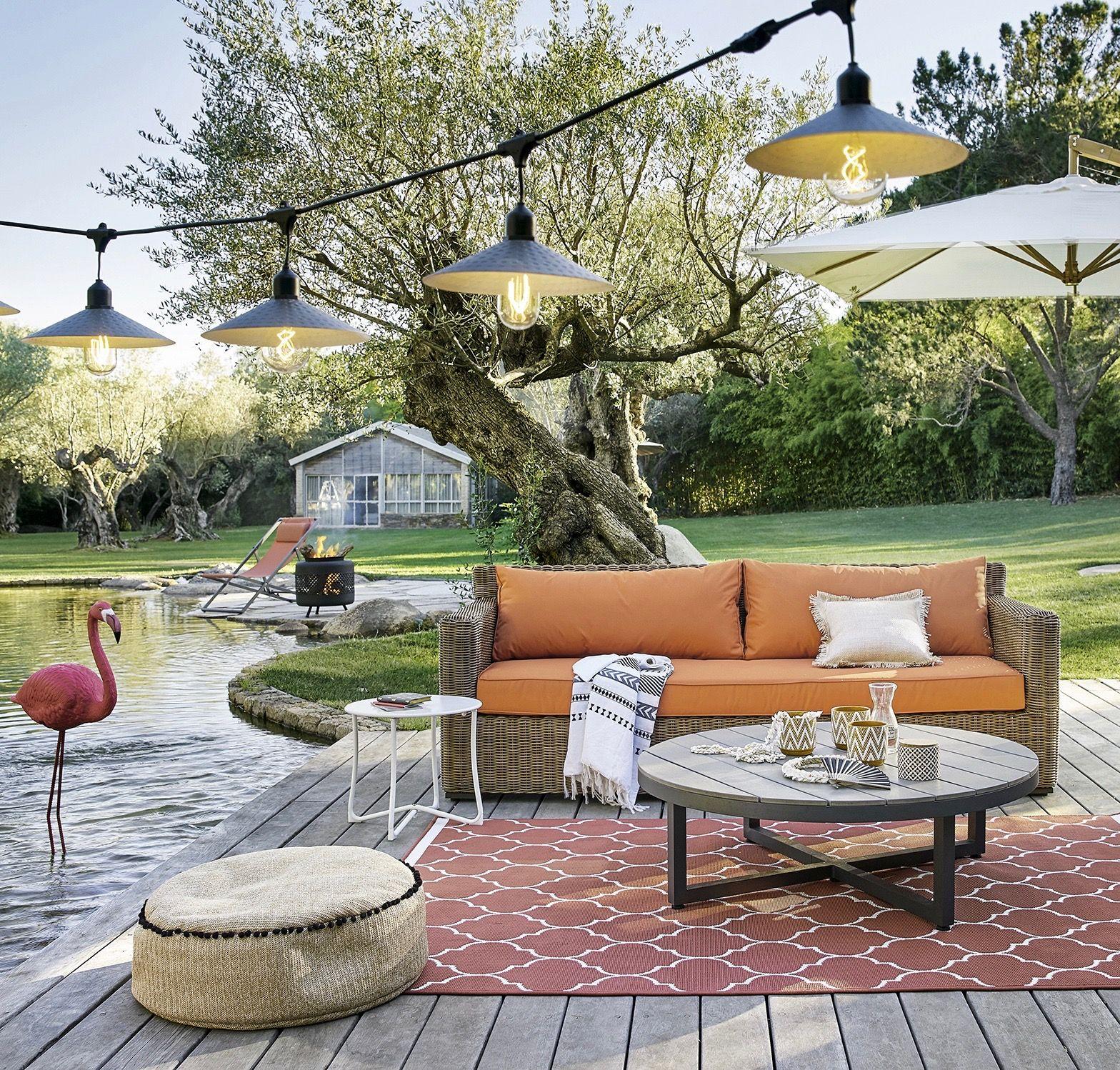 Salon de jardin ambiance guinguette #stringlight au bord du lac ...