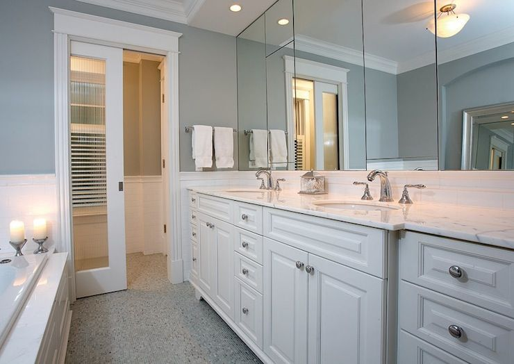 Love the color of the wall with the clean cabinet color A pocket