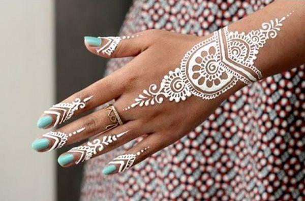 19 Stunning White Henna Designs For You White Henna White Henna Designs Hand Henna