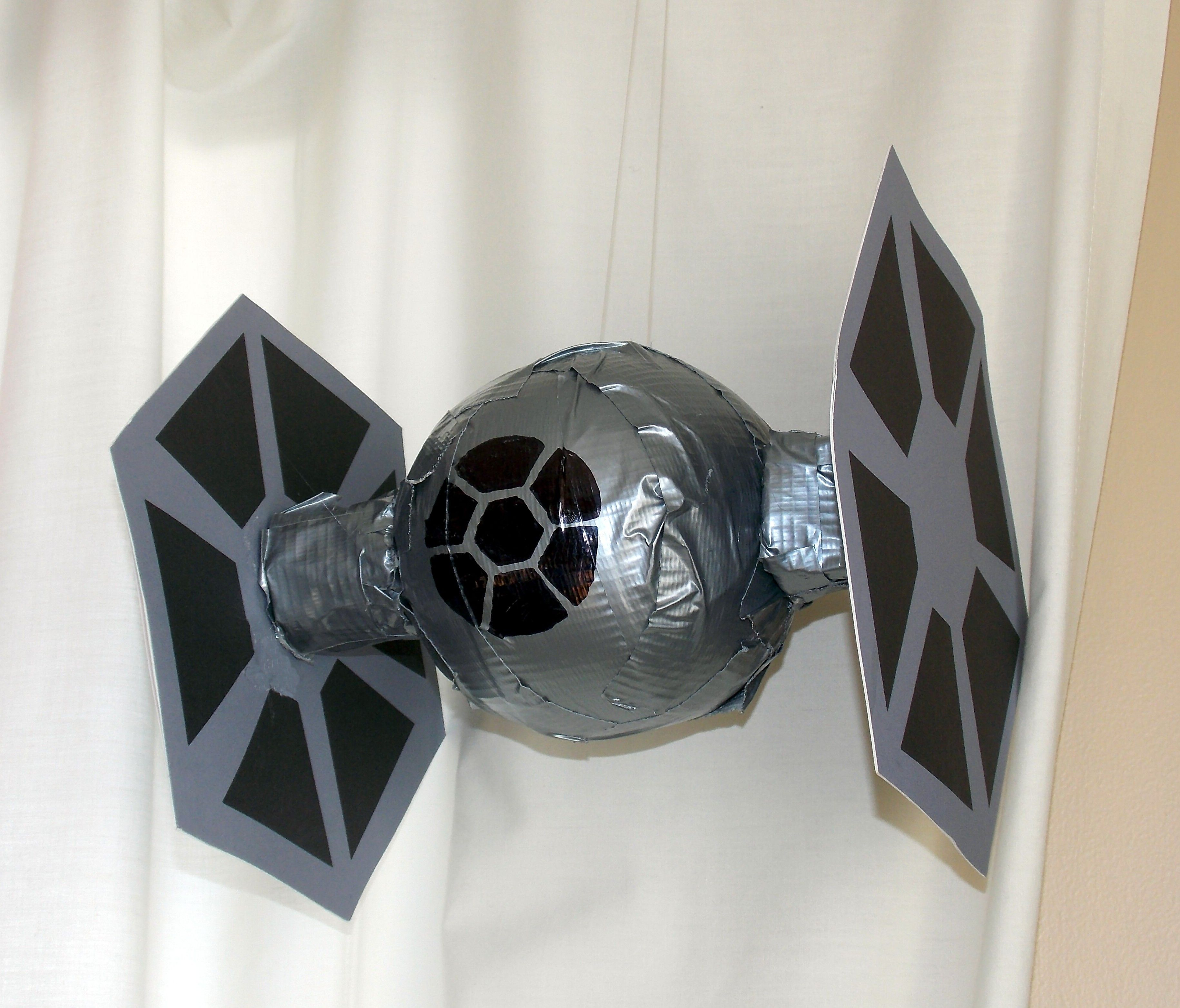 #816C4A Tie Fighter Decorations! Crafts & Party Ideas  5515 decorations de noel star wars 3660x3126 px @ aertt.com