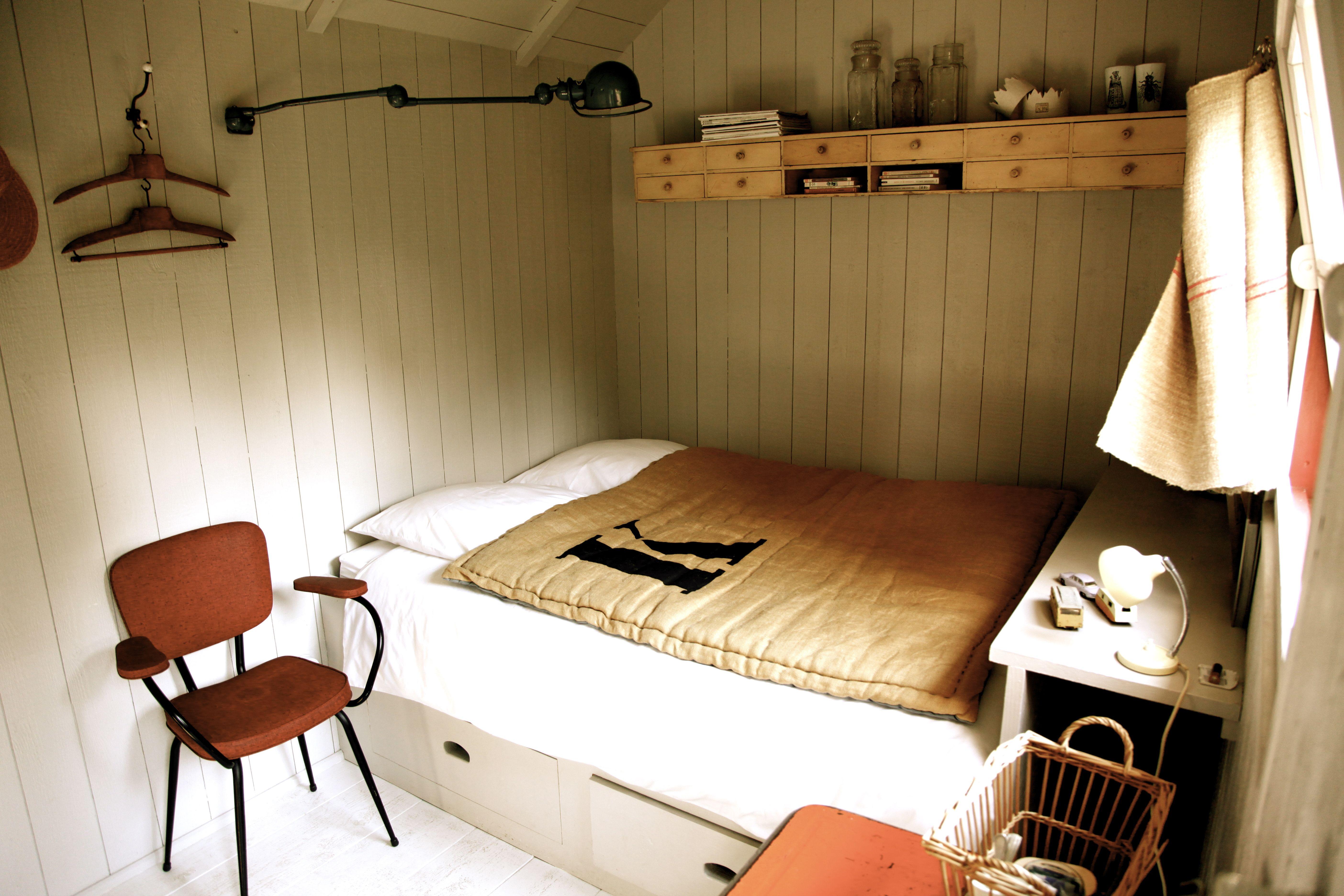 la kabane du pape l 39 epicerie du pape vasc uil france favorite places spaces pinterest. Black Bedroom Furniture Sets. Home Design Ideas