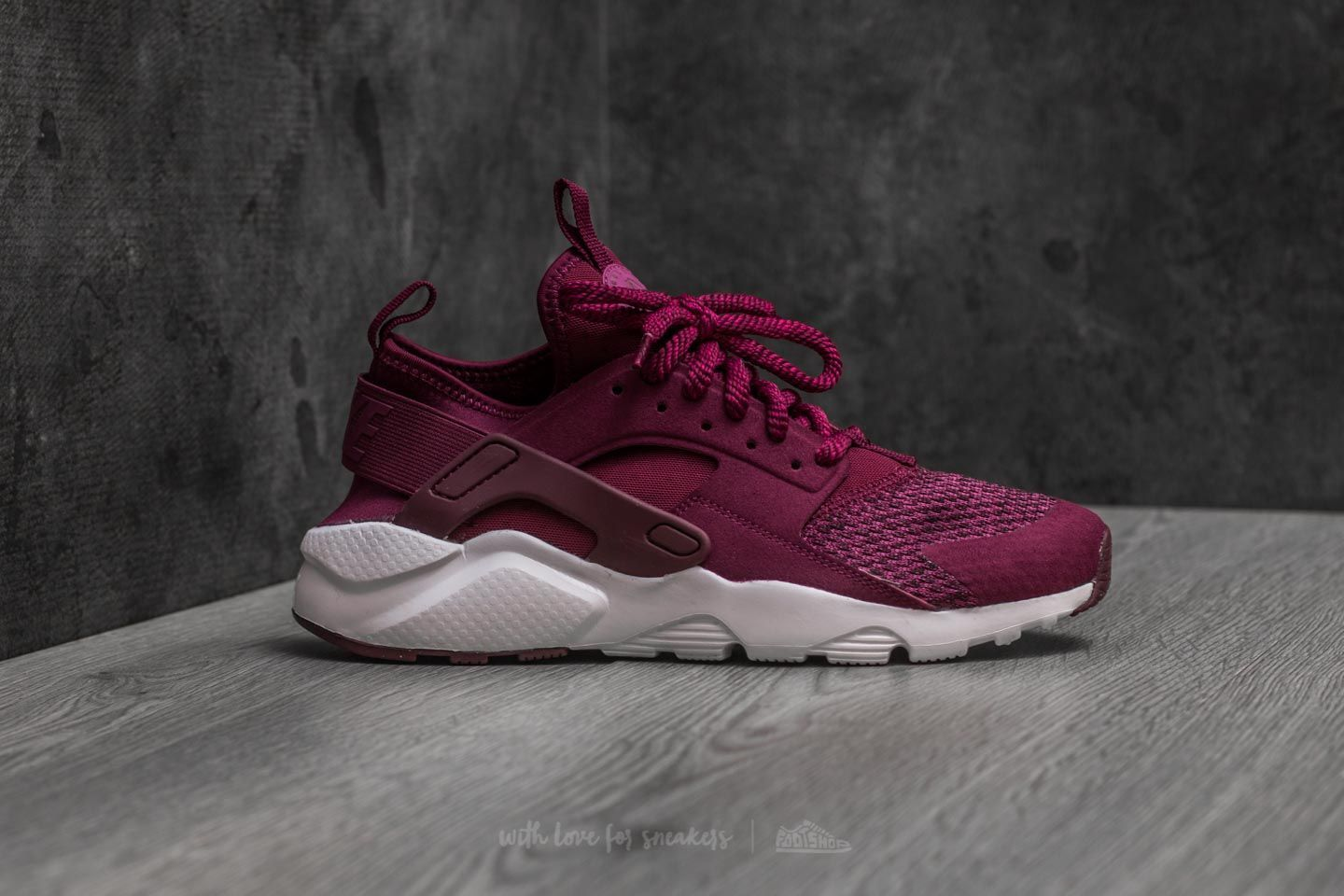 lowest price a681e 417d3 Nike Air Huarache Run Ultra SE (GS) Bordeaux  Bordeaux-Tea Berry at a great  price 115 € buy at Footshop