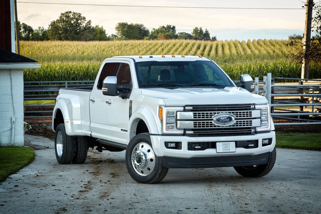 Ford unveils 2017 Super Duty trucks: redesigned aluminum body, better tow/haul, ton of tech (PHOTOS, VIDEO)