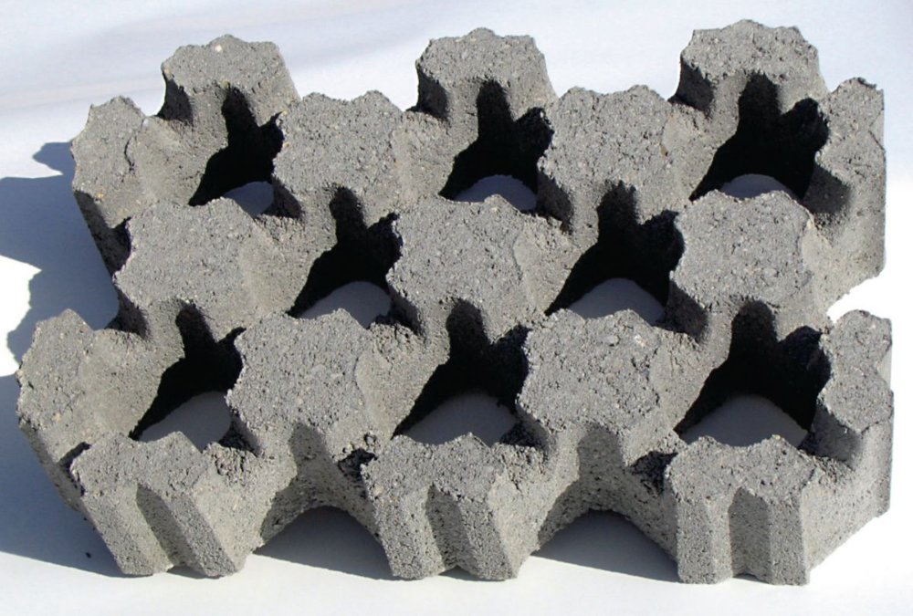 Dalle Gazon 33 X 50 Cm Epaisseur 9 5 Cm Betogreen Beton Gazon Materiaux De Construction Dalles