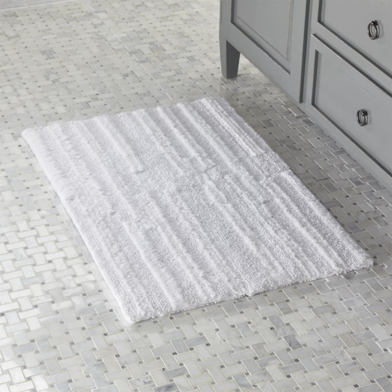 Shop Crosley White Reversible Bath Rug Looped And Shear Piled Cotton Texture This Soft And Absorbent Bathroom Rug Bath Rug Bathroom Rugs Reversible Bath Rugs