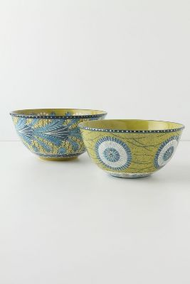 Love these bowls and the colors! They'd be perfect for my next room makeover.