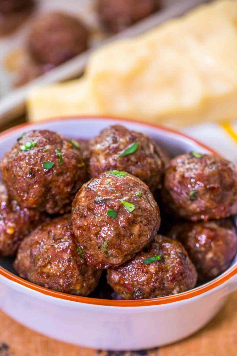 Juicy Homemade Meatballs Recipe Video Sweet And Savory Meals Recipe Homemade Meatballs Easy Homemade Meatballs Recipe Homemade Meatballs