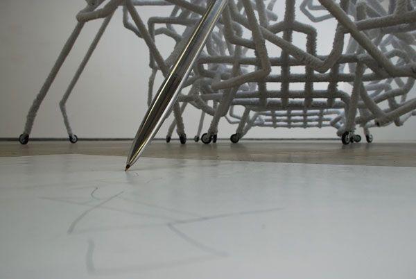 """BERDAGUER & PÉJUS - With Sarah 2009 Tubes pvc, flocage, metal , papier, 300 x 250 x 250 cm  La forme architecturale est issue d'une construction réticulaire genérée par un système de connexions, de synapses permettant un principe de croissance sans fin dont la forme générale évoque un énorme cerveau. Sa fonction """"machinique"""" est représentée à travers les extremités en contact avec le sol  faites de roues ; la structure en se déplacant dessine sur le sol . Ce  principe s'inspire des outils…"""
