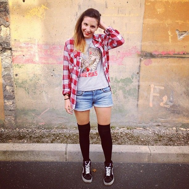 27479afab09 Perfect pre-fall outfit. Sk8-hi s paired with knee high socks and ...