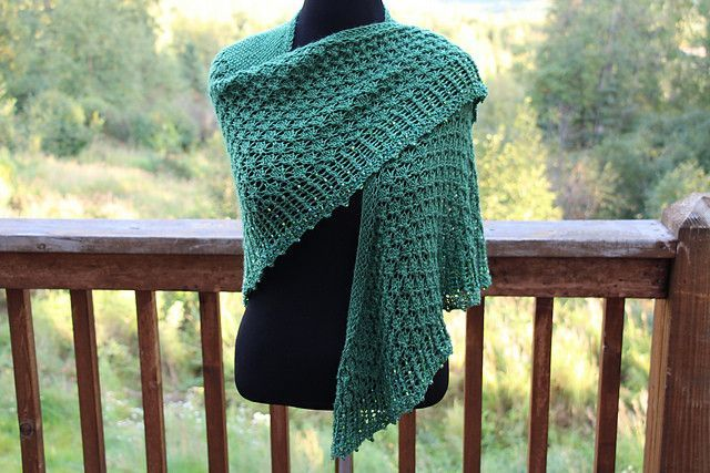 New Leaves Shawl Pattern | Chal, Ponchos y Lana