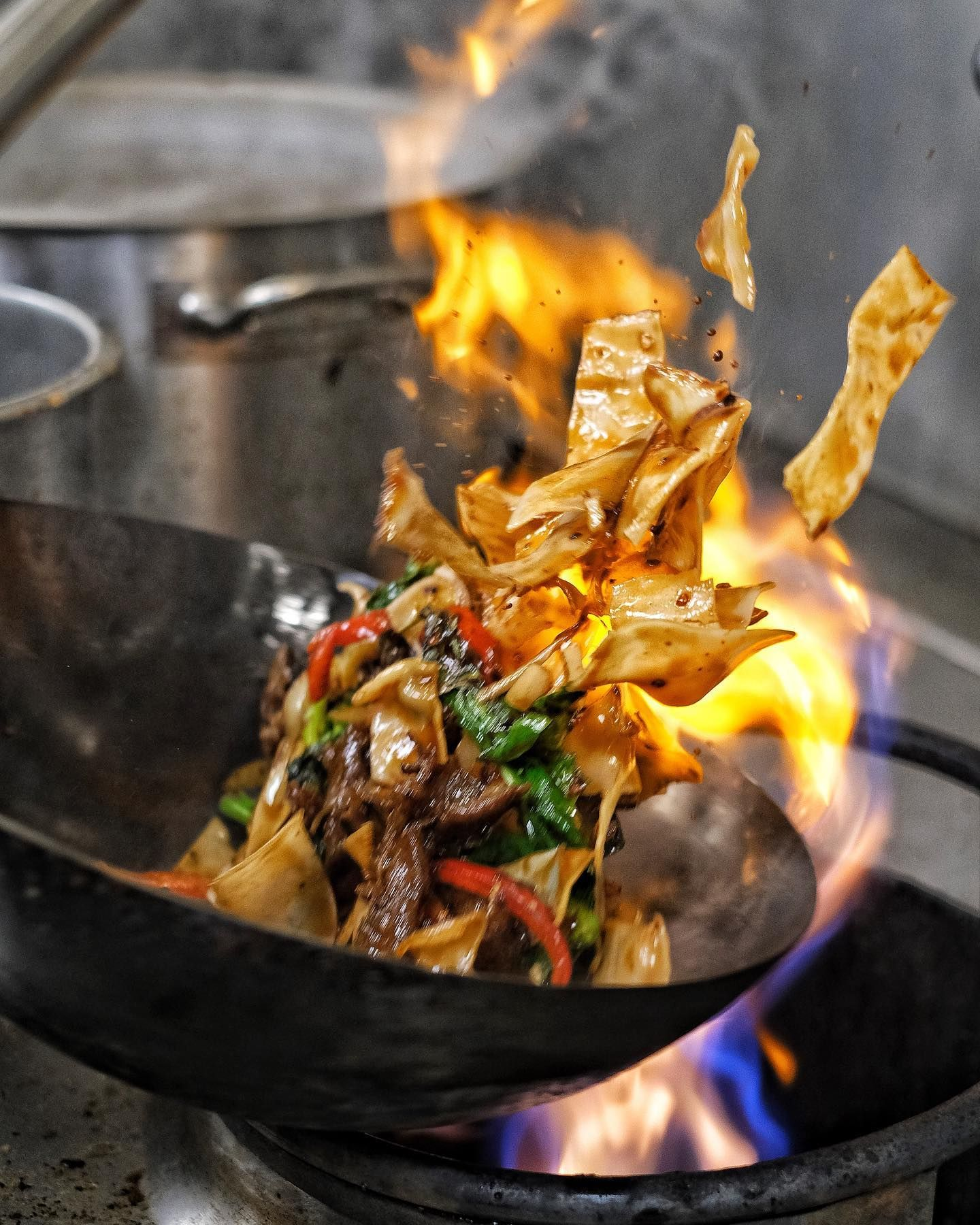 Happy Fri Yay The Wok Is Fired Up And Ready To Serve You The Best Chinese Delivery And Carry Out In Town Free Delivery No Tipping Di 2020 Makanan Desain
