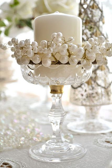 White, crystal & pearls, easy decor