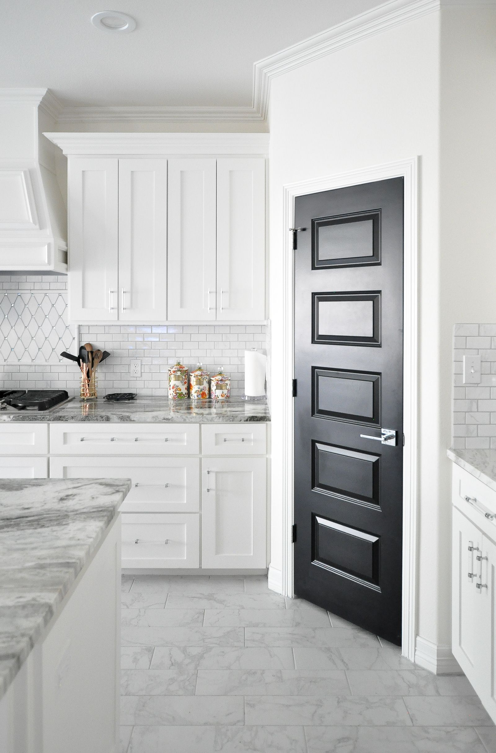 Incroyable Lucite Hardware For Less Than $4 Each! Love How They Look In This Gorgeous  White Shaker Cabinet Kitchen With Marble Backsplash, And A Black Pantry  Door.