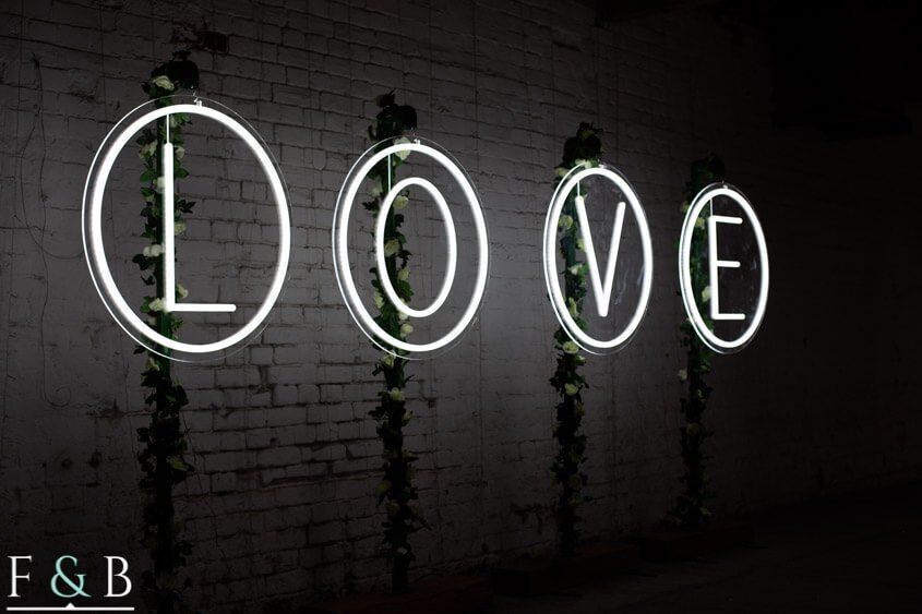 Light Up Letter Hire Backdropsforphotographs Marquee Letters Make A Beautiful Backdrop For Photographs For Your Wedding Ceremony Or Event Compare The Prices Light Up Letters Light Up Light