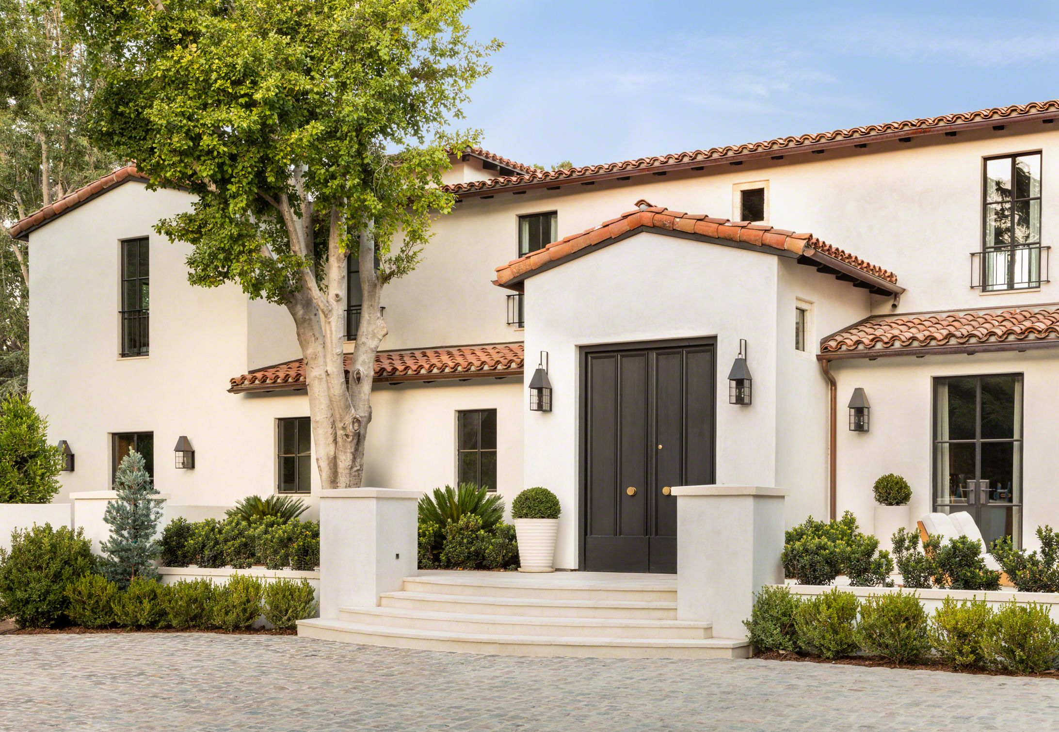 Private Residence Bel Air Los Angeles California Oz Architects In 2020 Spanish House Spanish Colonial Spanish Style Homes