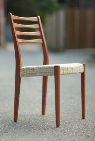 Toronto 6 Mid Century Teak Dining Chairs Table Avail 495 Http Furnishlyst Com Listings 482649 Muebles De Comedor Sillas Sillas De Madera