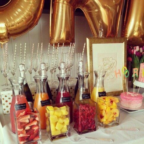 Champagner-Bar ... für die Mädchen, die sich vor der Hochzeit fertig machen ♥ #alcoholicpartydrinks