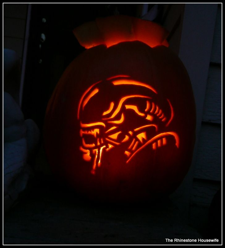 Alien xenomorph all things alien pinterest xenomorph for Alien pumpkin pattern