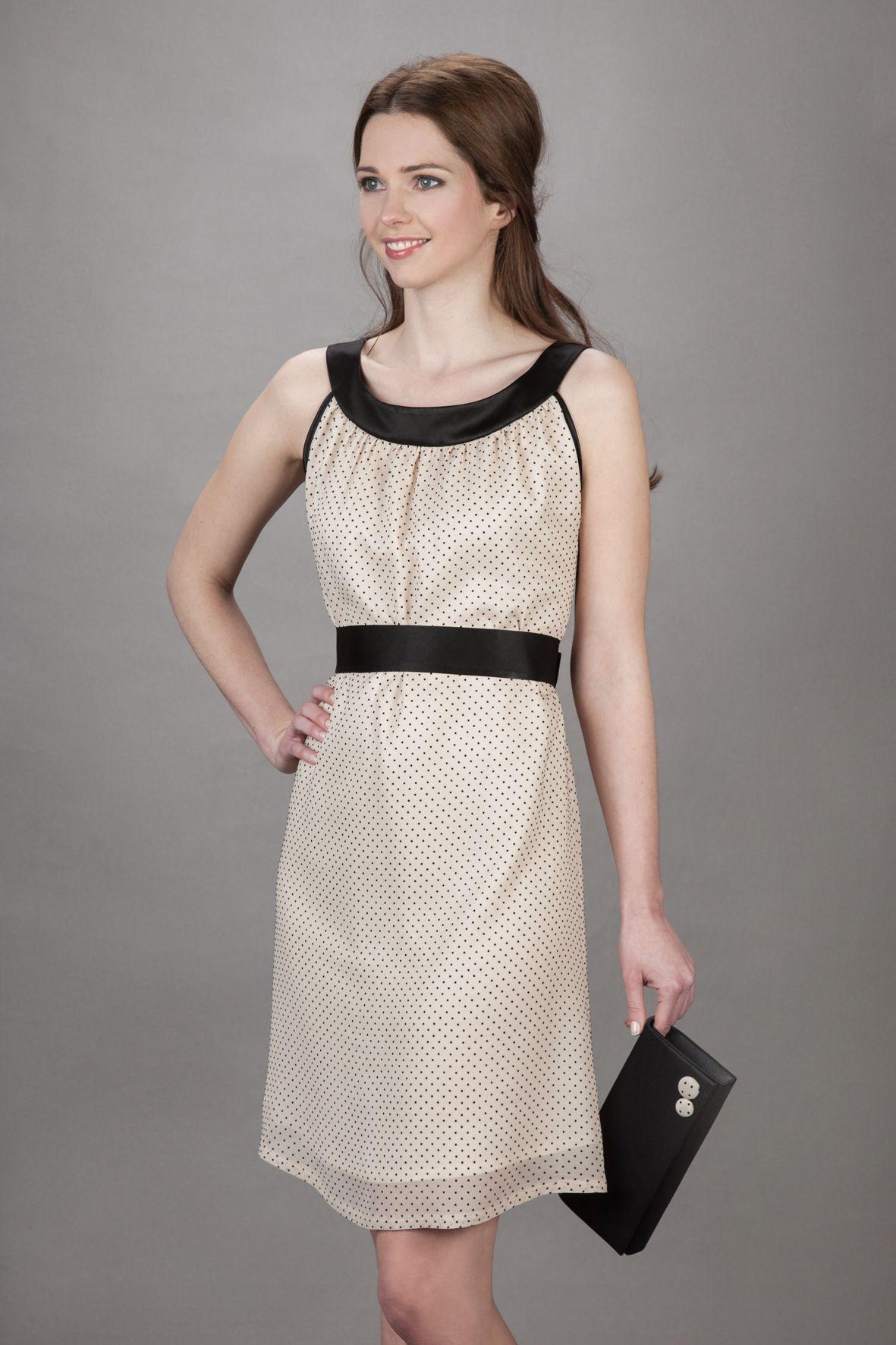 Labude - Kleid Holly ist ein schwarz/beige-gepunktetes Kleid aus ...
