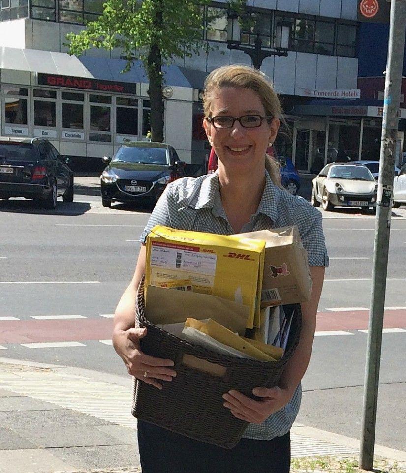 Katrin mit Post für Leni  So rührend.... #jessica #danke #grannysfuerleni