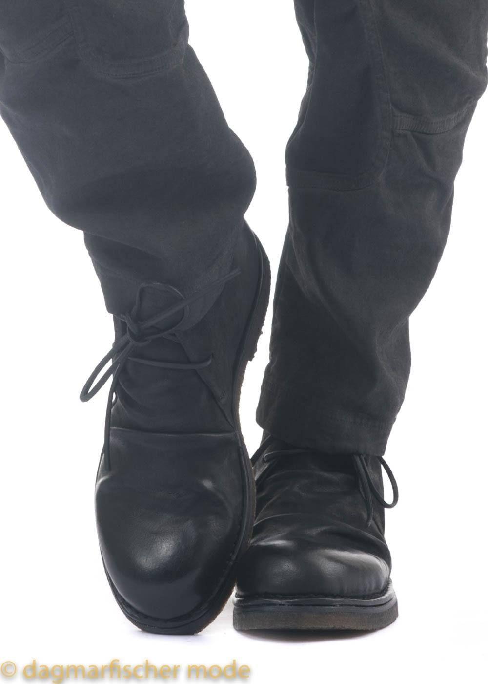 Schuh von RUNDHOLZ in travel dagmarfischer mode