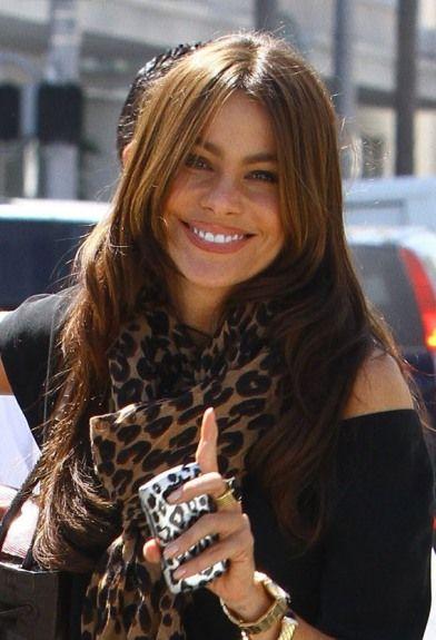 Sofia Vergaras casual, loose hairstyle