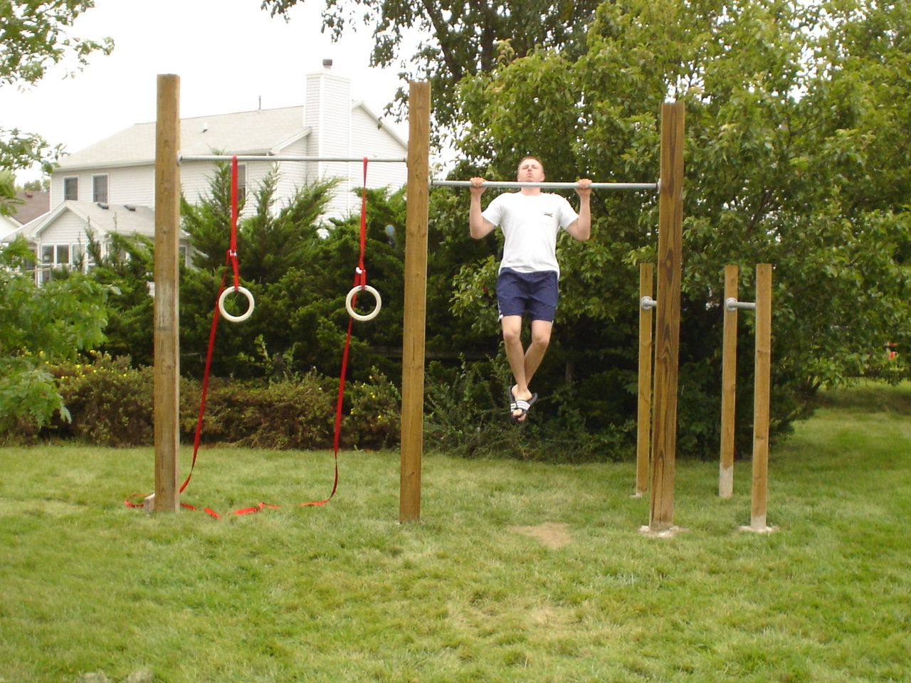 I Would Like A Single Chin Up Bar On Our Trail Backyard Gym Outdoor Gym Garden Gym Ideas