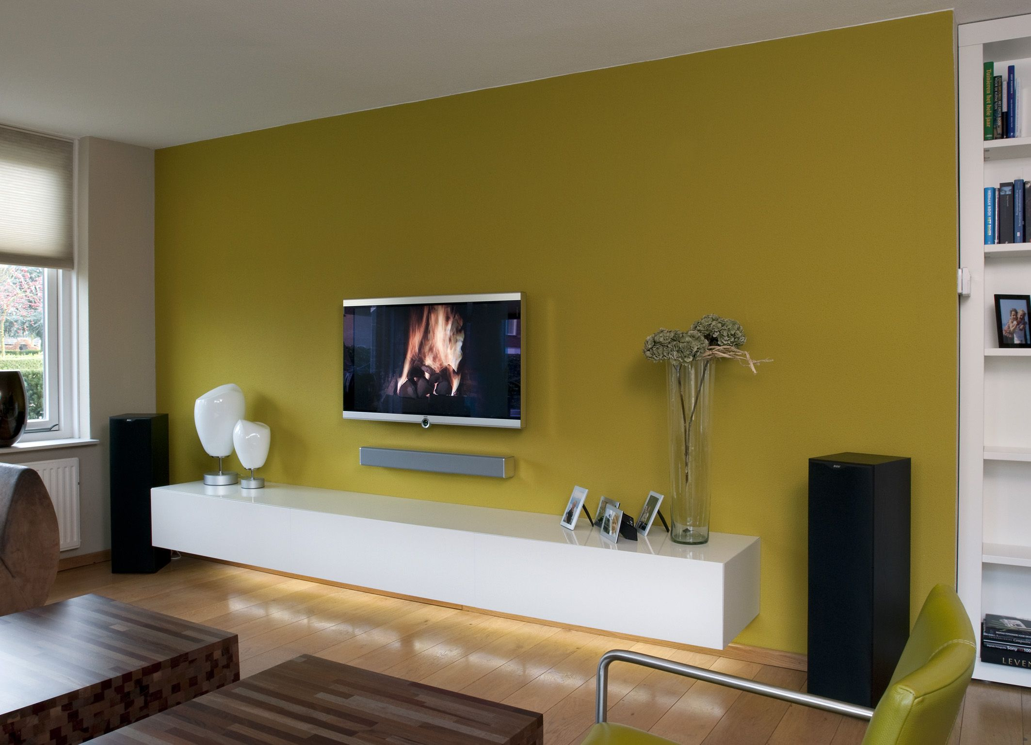 Minimalistisch uitgevoerd tv meubel. tv wall pinterest tv