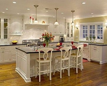 Annette Denham Interiors This Is A Large Island 4 Feet Wide X 8 Feet Length In Cabi Kitchen Bathroom Remodel White Kitchen Traditional Traditional Kitchen