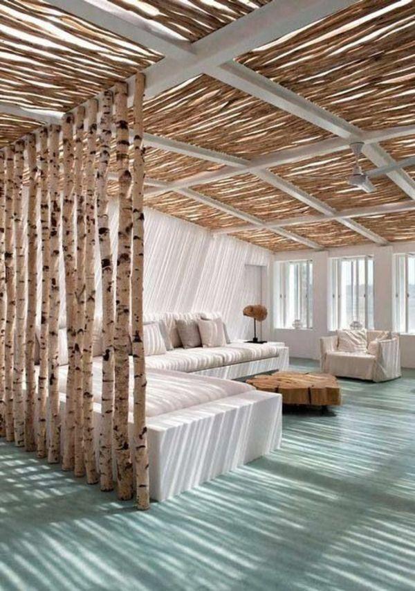 sonne licht Ideen aus Holz design raumteiler baum stämme - holz regal als raumteiler idee einrichtung