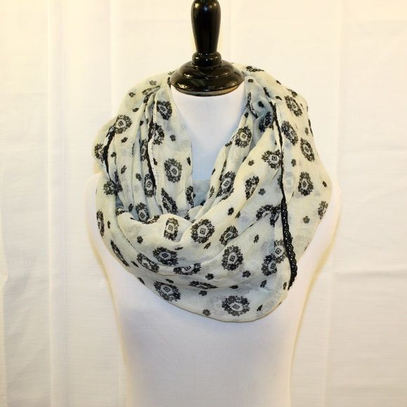 TILLYS Black & Ivory Light Infinity Scarf One Size TILLYS Black & Ivory Light Infinity Scarf One Size  * NWT Never WORN. No Noted Flaws. * Bundles Available at a 5% Discount. * Please See Pictures & Ask Questions. * Sorry No Trades. Tilly's Accessories Scarves & Wraps