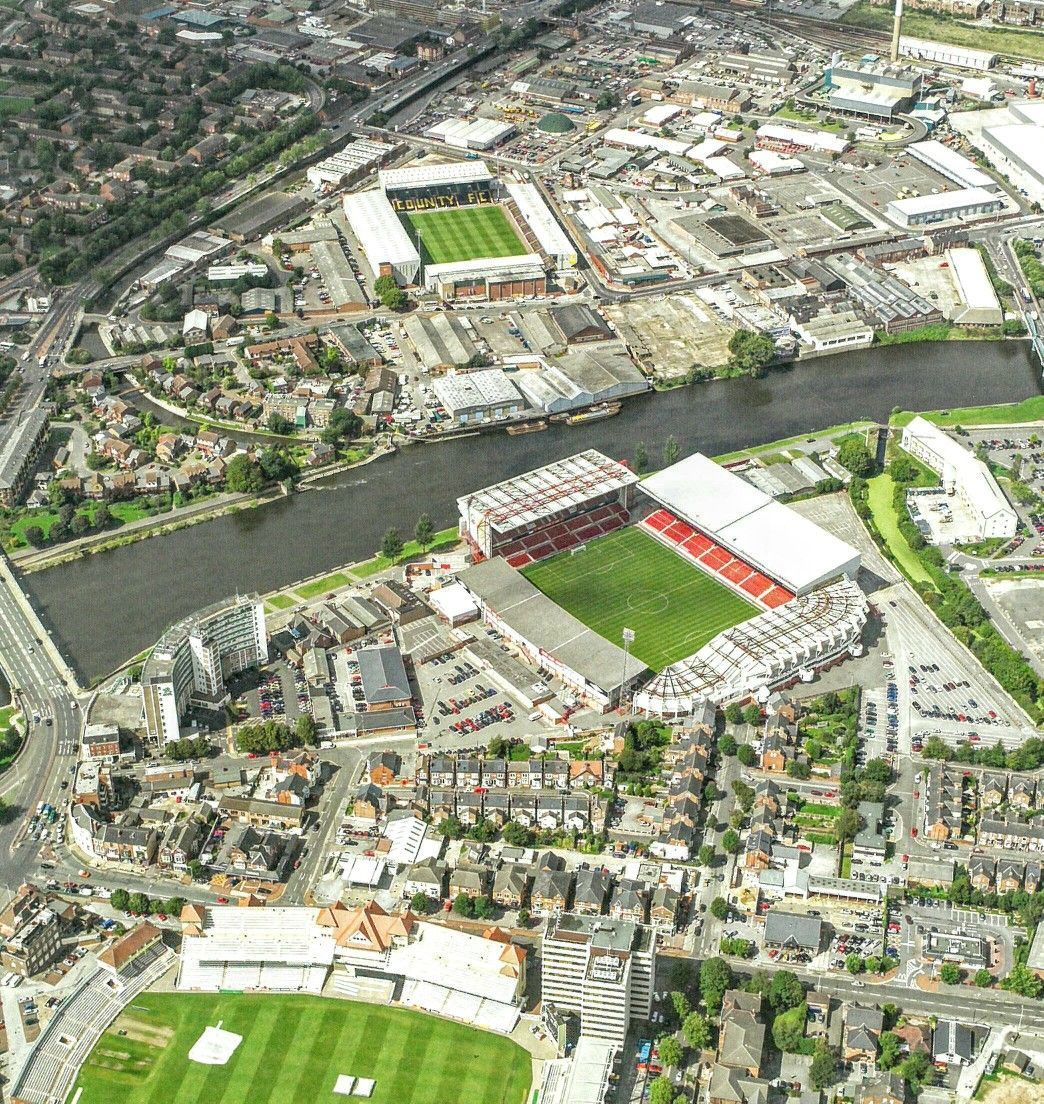 Resultado de imagen de City Ground y Meadow Lane