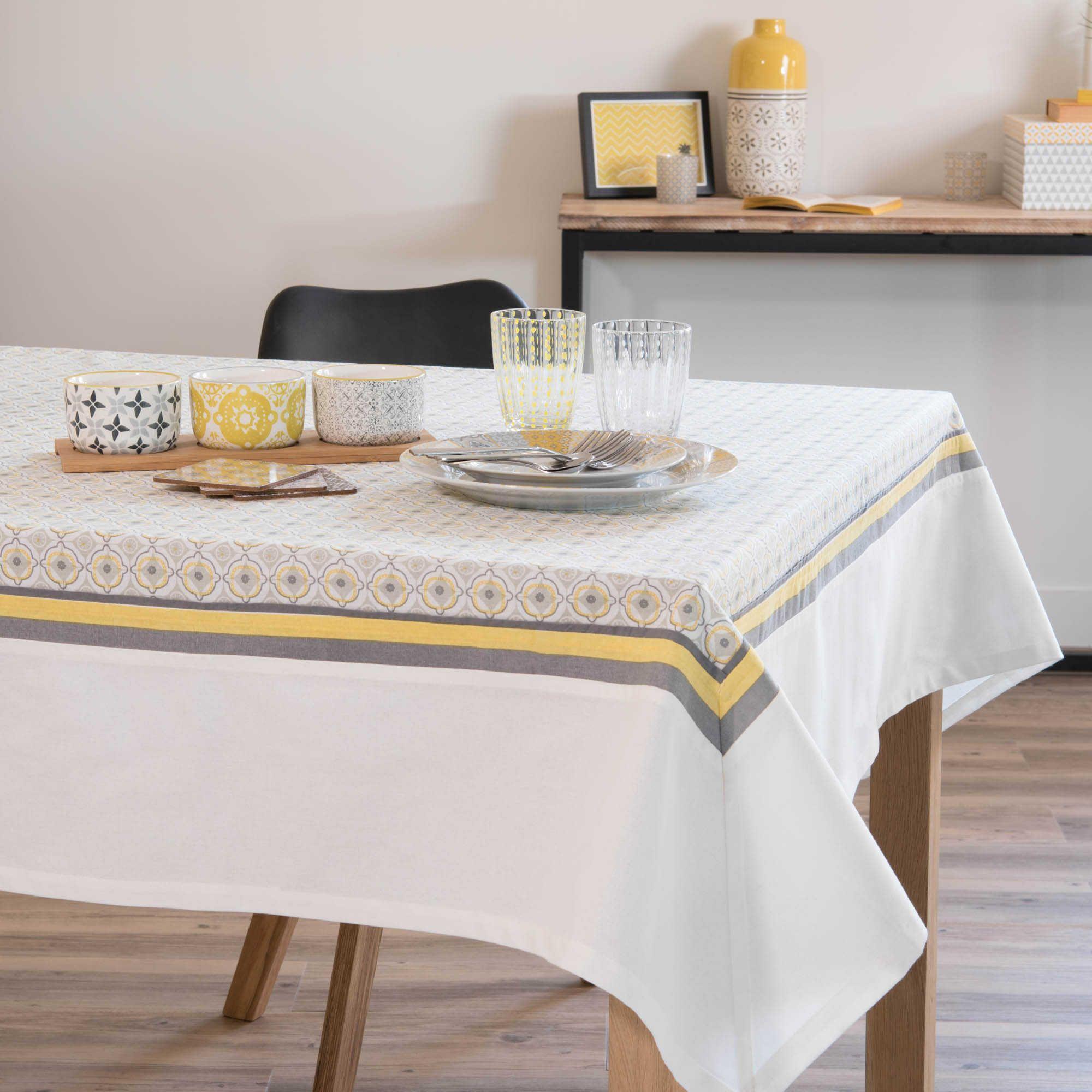 stunning vase en grs jaune h cm kilali maisons du monde with nappe ovale maison du monde. Black Bedroom Furniture Sets. Home Design Ideas