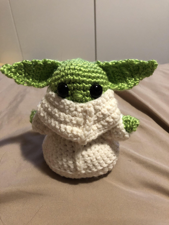 Baby yoda amigurumi toy loom knitting projects