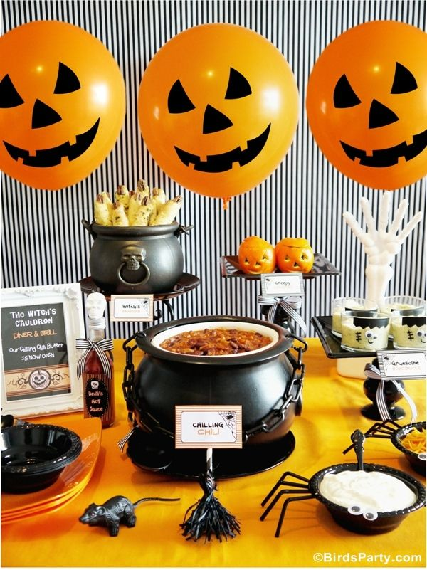 Tricks & Treats: Easy and Quick Halloween Party Ideas! We love this Halloween party food spread.