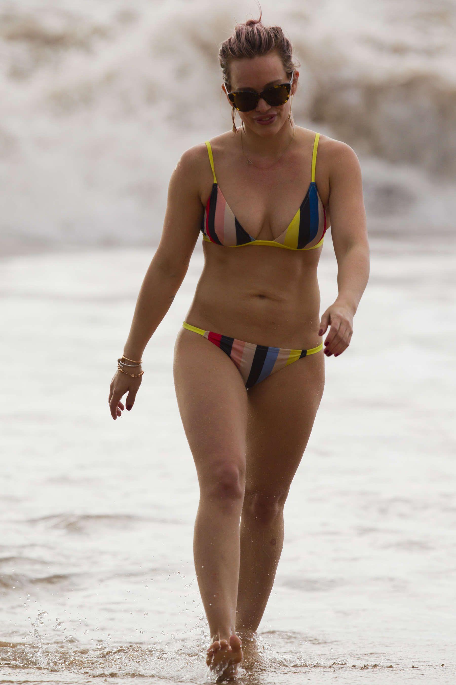 Imágenes desnudas duff Hilary
