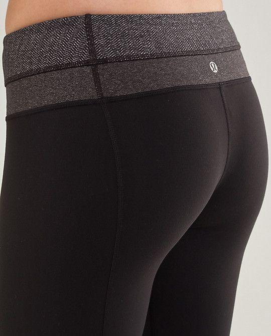 72deefddc29de Lululemon groove pants make your butt look so nice :) btw, great workout  cloths. hehe