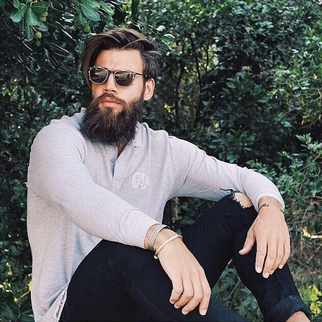bearded tattooed dating