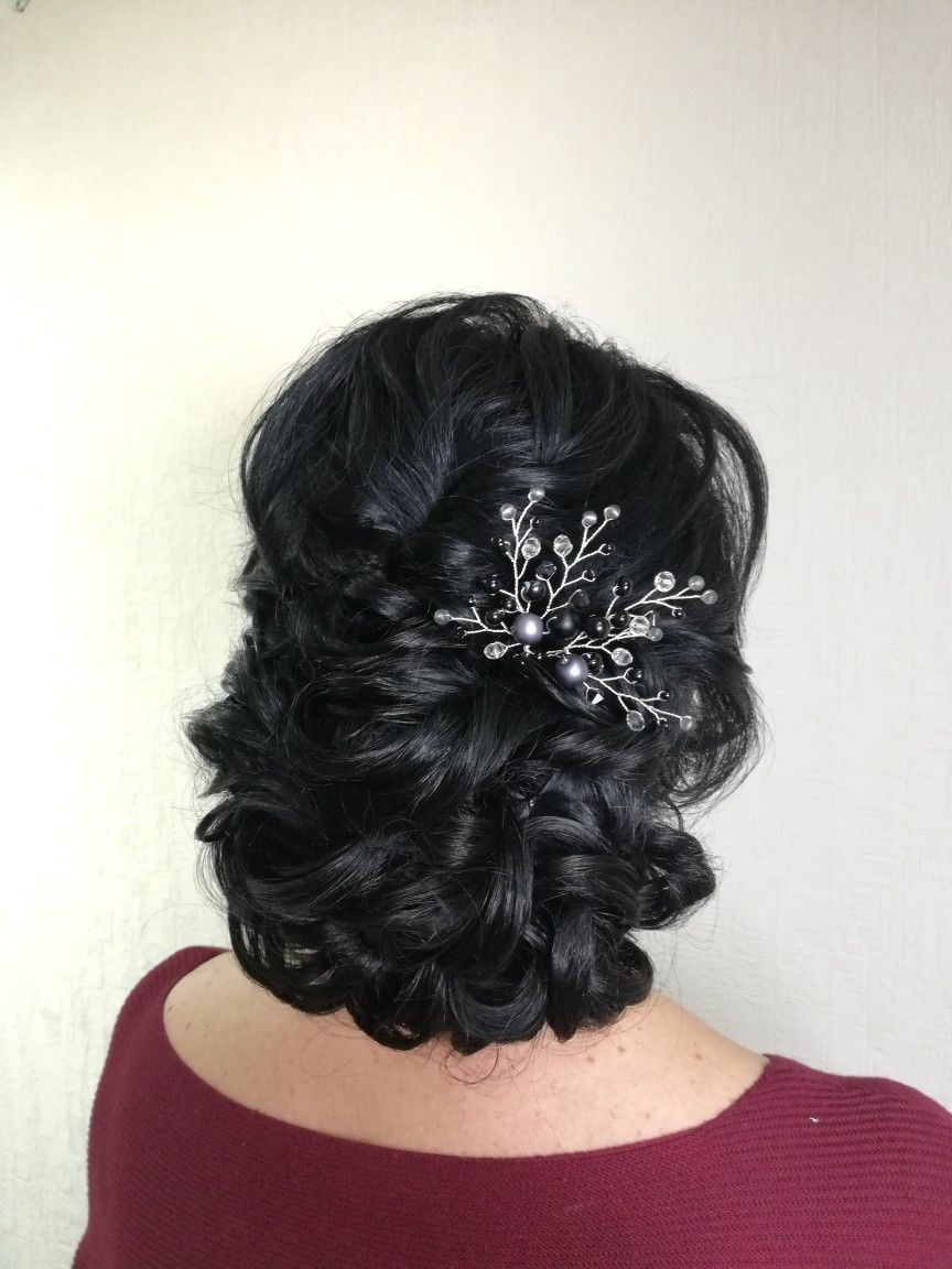 Texurized low updo with crystal hair pin olgaukrainetshair