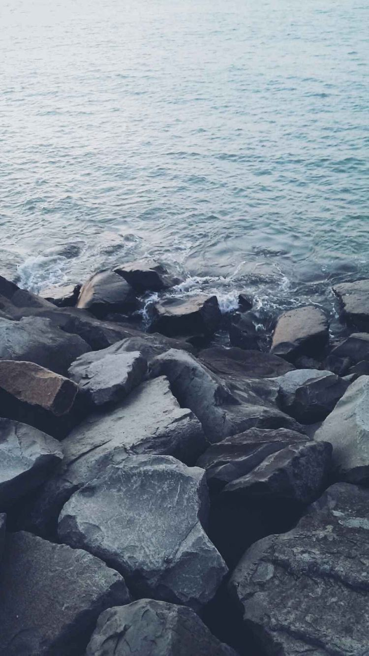 Ocean Rocks In 2019 Tumblr Wallpaper Best Iphone
