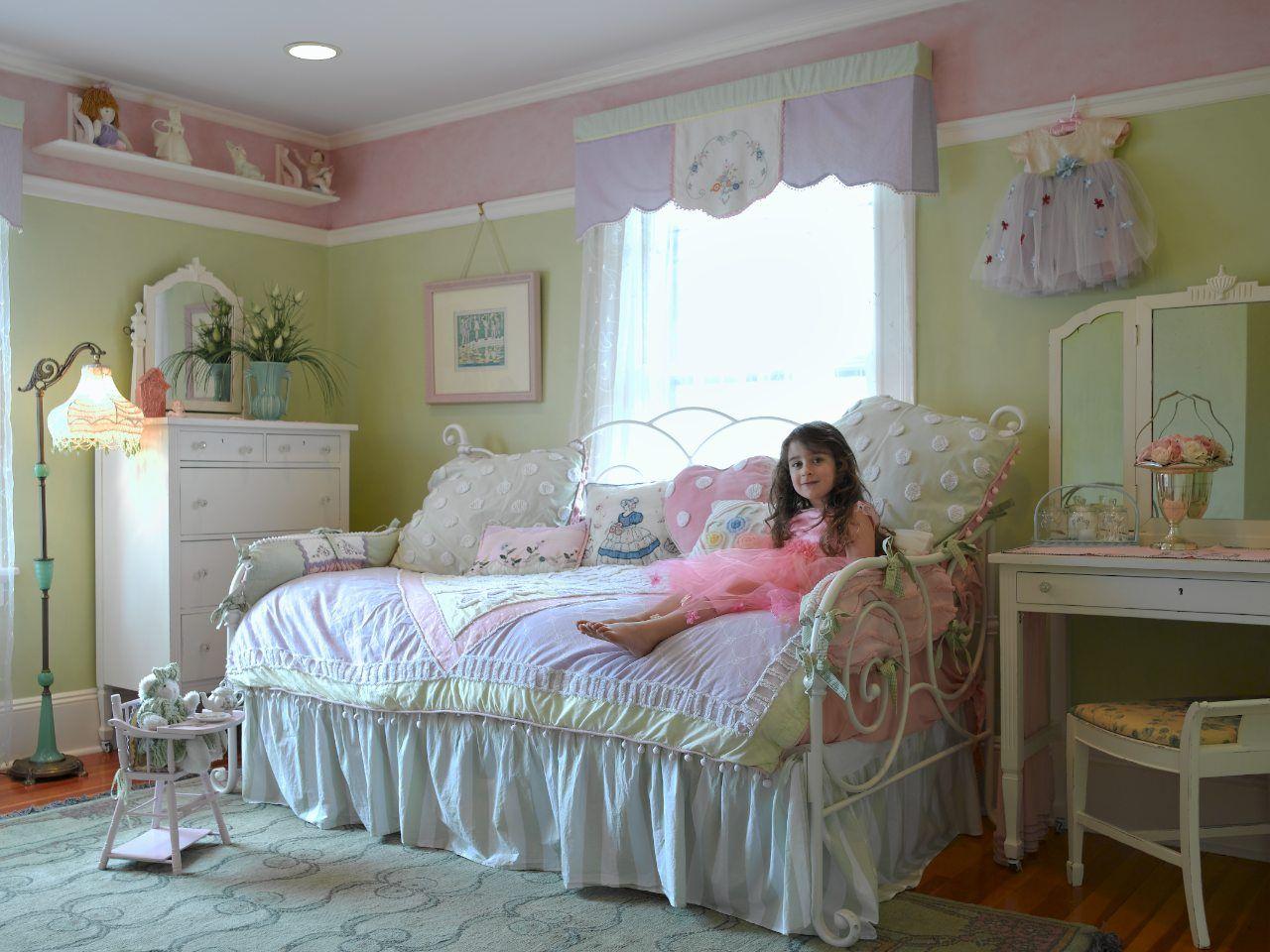 RoomReveal - Shabby Chic Girl\u0027s Room by Carisa Mahnken | DIY ...
